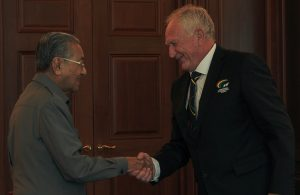Erick Acker(right), FIT President meet Tun Dr. Mahathir Mohamad, Malaysia Prime Minister. Photo Credit - Faiz Azizan